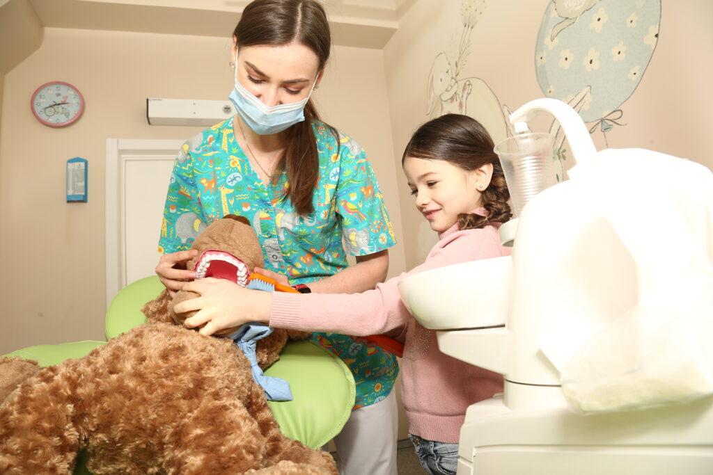 0q3b5391 1024x683 - Підготовка до прийому у дитячого стоматолога. Порадник для батьків.