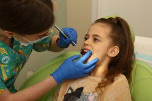 0q3b5497 300x200 - Підготовка до прийому у дитячого стоматолога. Порадник для батьків.